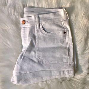 Old Navy White Denim Boyfriend Shorts Size 6